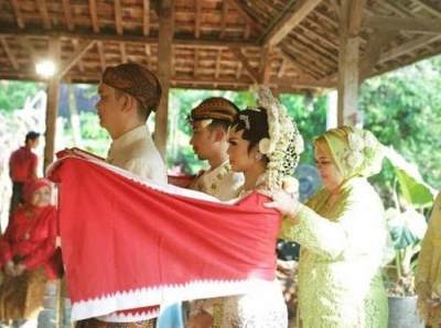 Moms, Inilah Aneka Ragam Prosesi Pengantin Adat Jawa