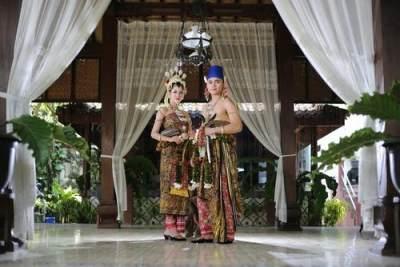 3. Dekorasi Pernikahan Jawa