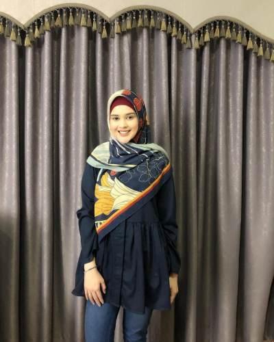 Baju Atasan Muslim Cut Meyriska