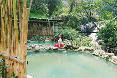 Wisata Keluarga di Akhir Pekan, Ini 5 Rekomendasi Pemandian Air Panas yang Bisa Mommy Kunjungi