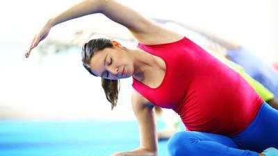 Jangan Sampai Salah Gerakan, Cari Tahu Dulu Dos & Don'ts Senam Yoga Ibu Hamil