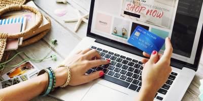 Biar Nggak Tertipu, Yuk Moms Pintar Belanja Online Dengan 4 Tips Ini!