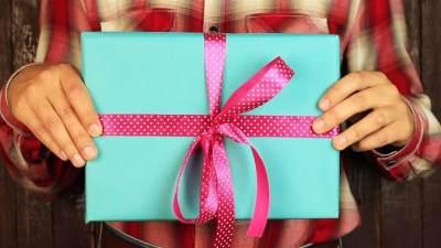 Bingung Pilih Hadiah Ulang Tahun untuk Keluarga, Simak Rekomendasi Ini Deh Moms!