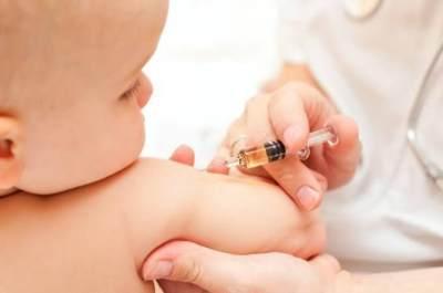 Awas Tuberkulosis, Jangan Lupa Imunisasi BCG pada Bayi Ya Moms!