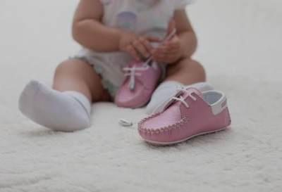 Syarat Sepatu Bayi, Pastikan Bahan Aman dan Nyaman
