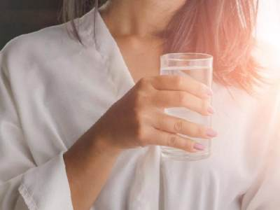 Bukan Cuma Bagi Kesehatan, Ini Dia 6 Manfaat Air Putih untuk Kulit