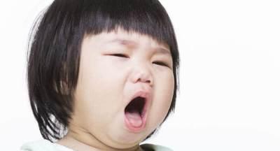 Ini yang Harus Moms Ketahui Sebelum & Sesudah Operasi Amandel Pada Anak