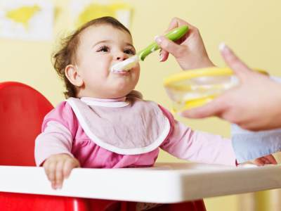 DIY Celemek Bayi, Yuk Cari Tahu Pola dan Cara Membuatnya!