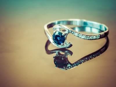 Cantiknya Ragam Cincin Berlian dari Indonesia, Kenali juga Cirinya yang Asli, Moms