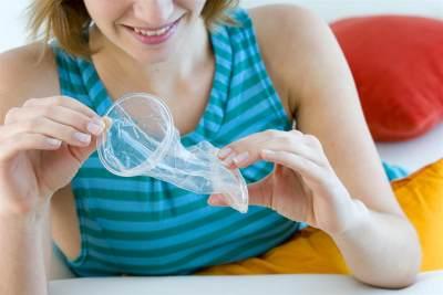 Wah Ternyata Ada Juga Lho Moms Kondom untuk Wanita! Ini Dia Kelebihan & Kekurangannya