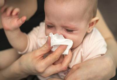 Cara Praktis Membersihkan Ingus Bayi, Amankah Nasal Aspirator?