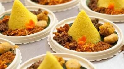 4. Nasi Kuning Bentuk Simple