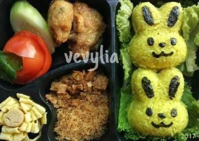 2. Nasi Kuning Bento Kelinci