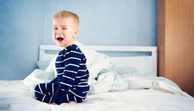 Sakit Perut Pada Anak Bikin Panik? Tenang Moms, Ini Penyebab dan Cara Mengatasinya!