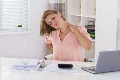Sakit Leher Sebelah Kiri di Bawah Telinga? Cari Tahu Penyebab dan Cara Mengatasinya