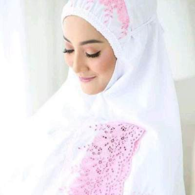 3. Mukena Khadijah