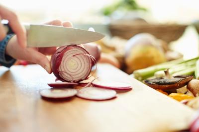 Biar Awet dan Tahan Lama, Ini 4 Tips Menyimpan Bawang Merah