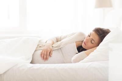 Cara Mengatasi Tidur Mendengkur Saat Hamil