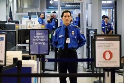 Informasikan pada Petugas tentang Cooler Bag yang Dibawa