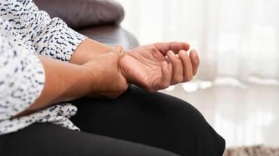 Jangan Sepelekan Kesemutan di Tangan, Bisa Jadi 4 Penyakit Ini Penyebabnya, Moms