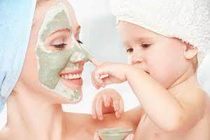 Jangan Biarkan Anak Memakan Maskernya