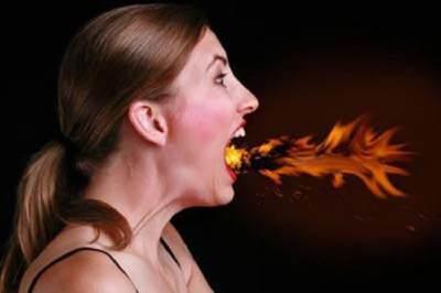 Hindari Makanan Pedas