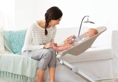 Si Kecil Suka Diayun? Ini Dia Ragam Ayunan Bayi yang Bisa Jadi Referensi Moms