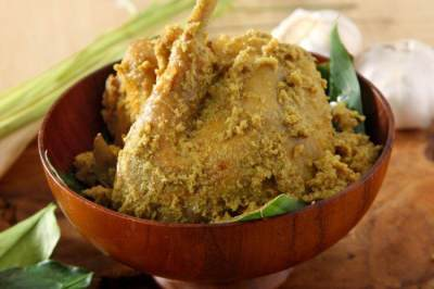 Opor Ayam Kutai