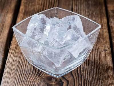 Kompres dengan Es