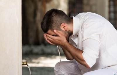 Praktis dan Berpahala, Ini Cara Menghilangkan Bau Mulut Saat Puasa Sesuai Sunah Nabi