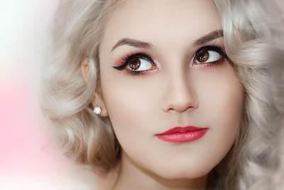 Anti Gagal, Intip Kiat Mudah Memakai Eyeliner Untuk Pemula