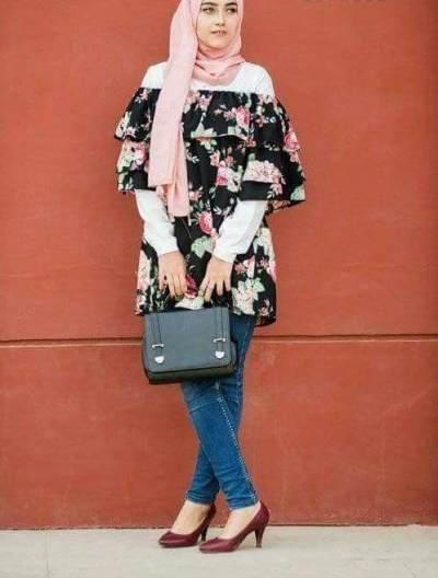 4 Gaya Modis Padu Padan Atasan Off Shoulder Untuk Hijaber