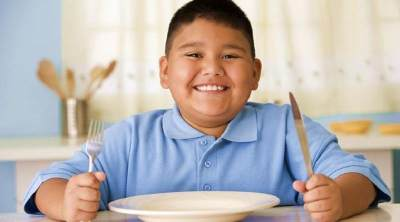 Cegah Obesitas Sejak Dini, Ini Tips Makanan Sehat untuk Si Kecil, Moms