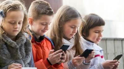Sebelum Terlambat, Ini Cara Menghilangkan Ketergantungan Anak Pada Gadget
