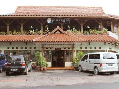 2. Rumah Makan Ponyo