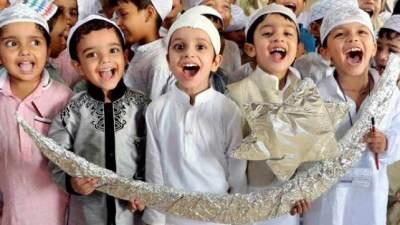 Membawa Anak Itikaf Di Masjid? Perhatikan Dulu Hal Ini Moms!