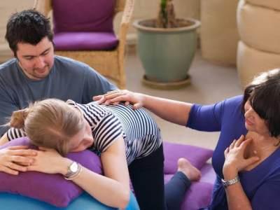 Apa itu Active Birth? Ketahui Juga Posisi Optimal untuk Memperlancar Persalinan