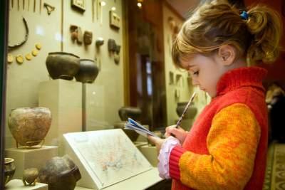 Liburan Keluarga Ke Museum, Ini 5 Manfaat yang Akan Moms Dapat untuk Si Kecil