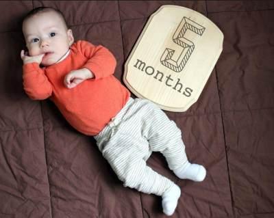 Perhatikan Usia Bayi