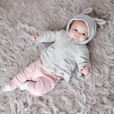 Cantiknya! Intip Inspirasi Outfit Bayi Perempuan Ala Shireen Anak Hamidah Rachmayanti