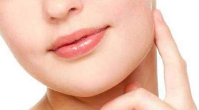 3. Membuat Bibir Terlihat Sehat