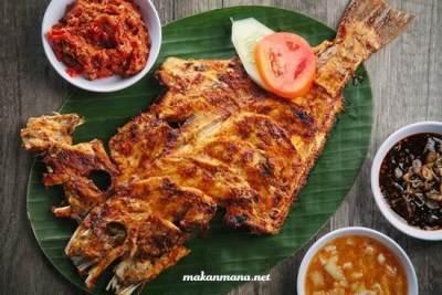 1. Ikan Etong Goreng