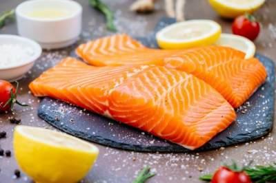 9. Ikan Salmon