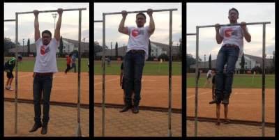 5. Rutin Olahraga Menggantung (Hanging)