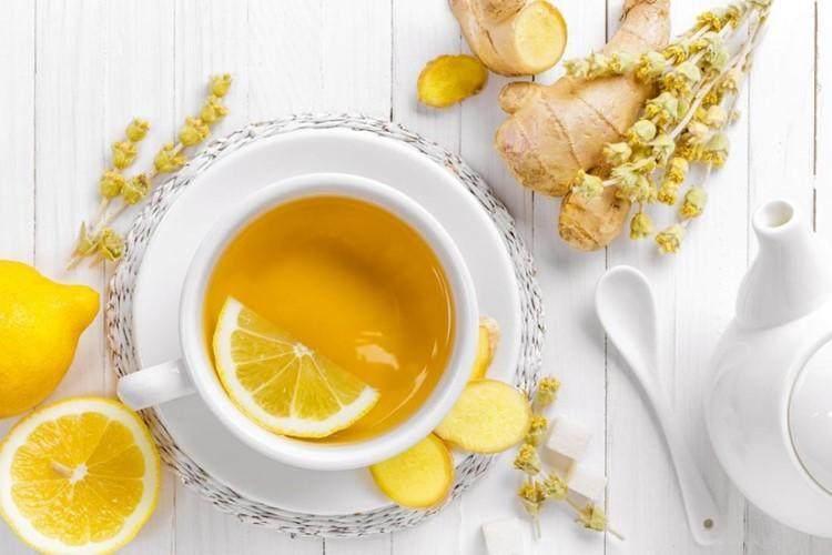5 Manfaat Minum Air Lemon Hangat Sebelum Tidur Bikin Awet Muda Loh Moms