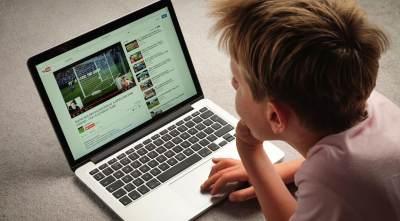 Saat Anak Ingin Menjadi Youtuber, Ini yang Harus Moms Lakukan