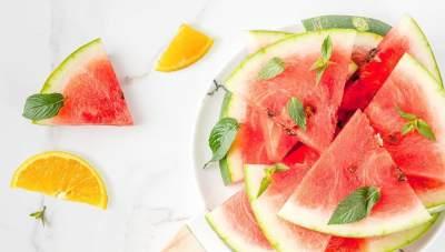 5. Perbanyak Konsumsi Buah Apel, Jeruk Dan Semangka