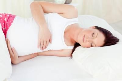 6. Tidur Dengan Posisi Menghadap Kiri