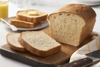 4.Tetap Letakkan Roti Di Atas Meja Makan