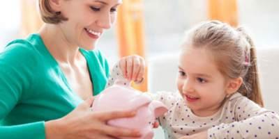 4 Hal yang Harus Dipertimbangkan Saat Akan Memberikan Anak Uang Jajan